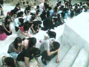 young people flock to the altar after the stirring challenge of Ptr. Jojo Tuason