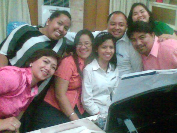 The VOICES: Ms Dulce, Ms Czarah, Ms Sally, Pr John, Ms Jinky and Pr Rey flank around the celebrator, Ms Yam during last night's rehearsals, minutes before she turned... =)