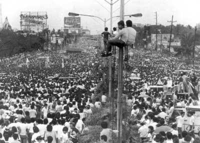 EDSA_Revolution_pic1